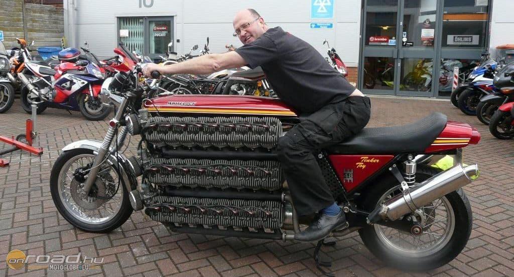 Igazi élvezetes motorkerékpárnak tűnik!