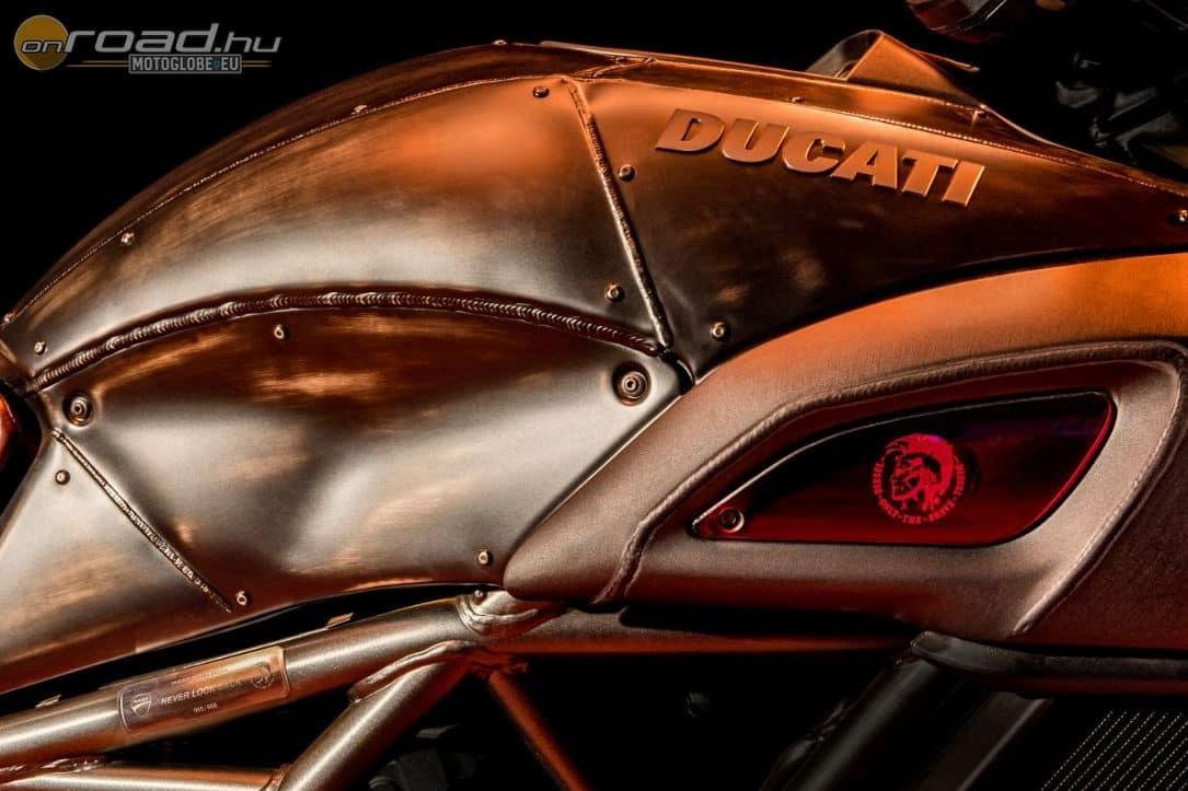 A tankborítás a Diavel Diesel leginkább nyers része