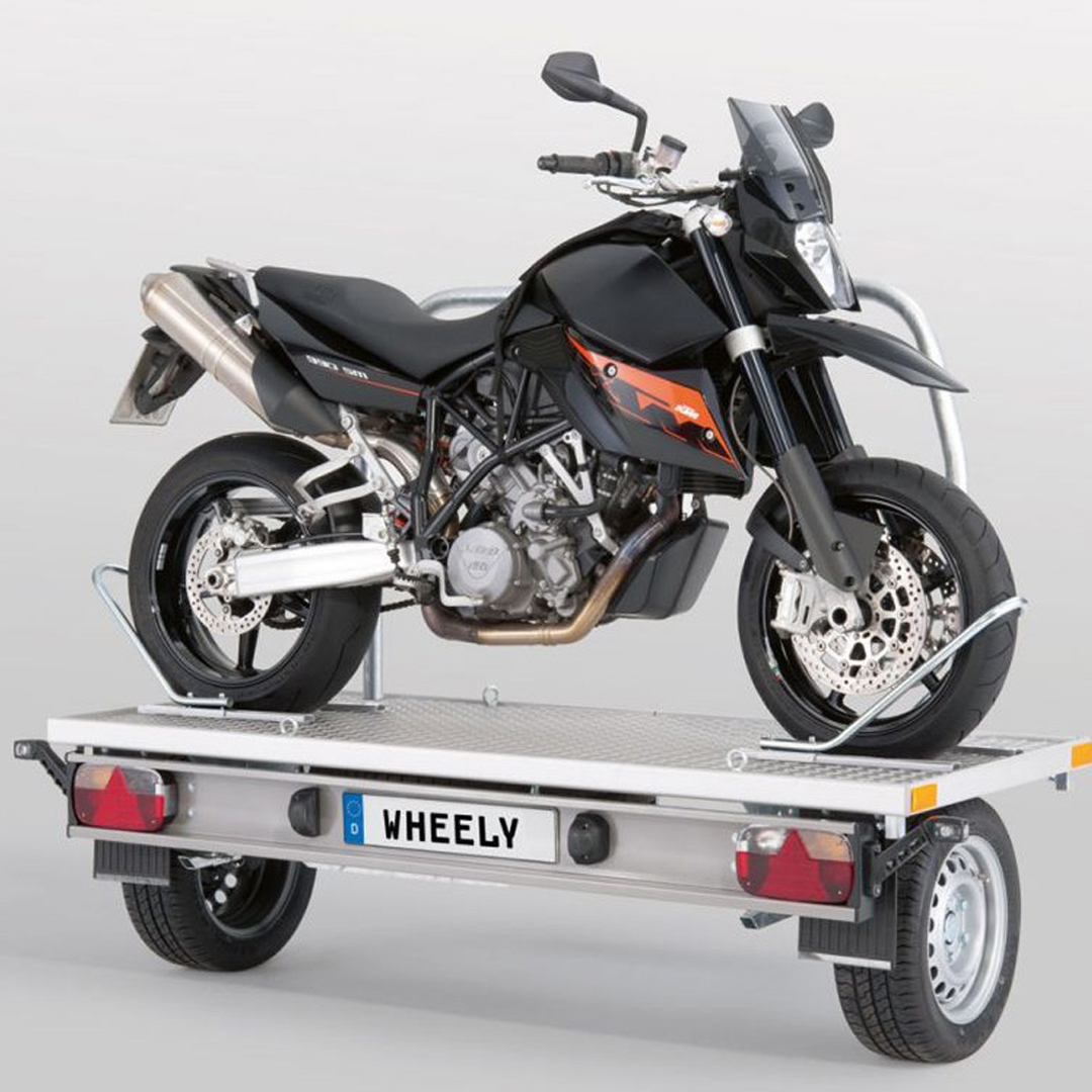 Cómo transportar una moto en una autocaravana | On Road Magazine