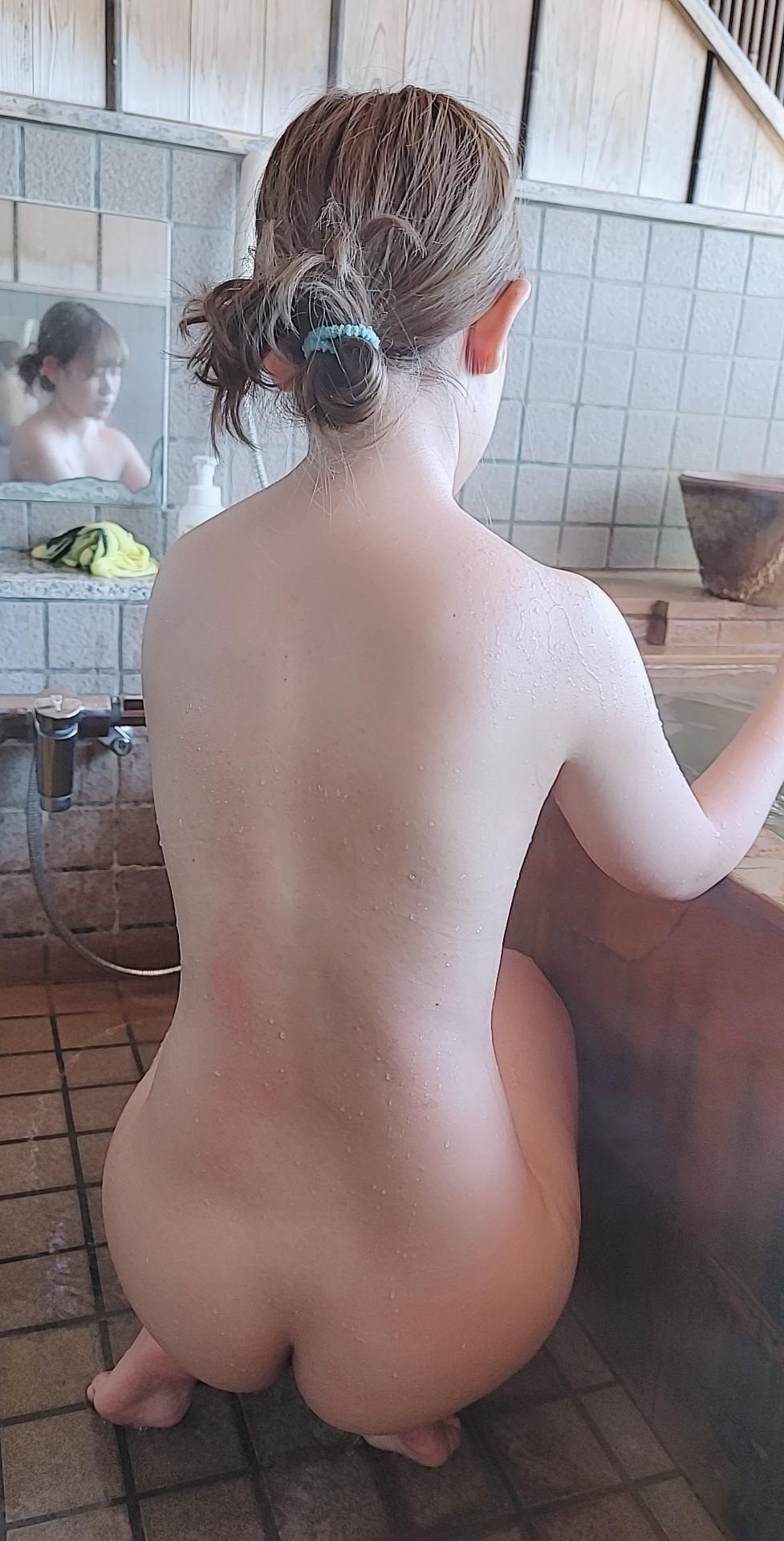 秘湯女子図鑑
