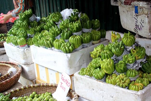je ne connais pas le nom de ces gfruits (ou légumes)