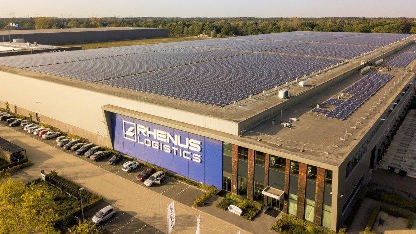 Rhenus neemt grootste single roof zonnedak van Nederland in gebruik