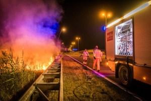 Deel A50 korte tijd dicht door flinke bermbrand bij Ekkersrijt