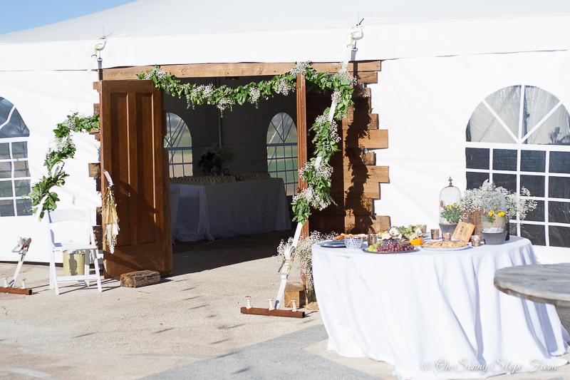 Black white gold wedding theme decorations-2