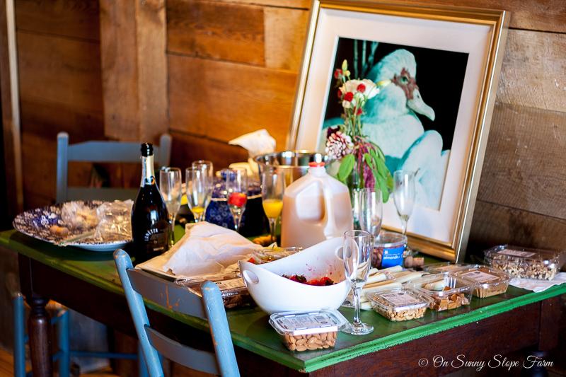 Black white gold wedding theme decorations-9