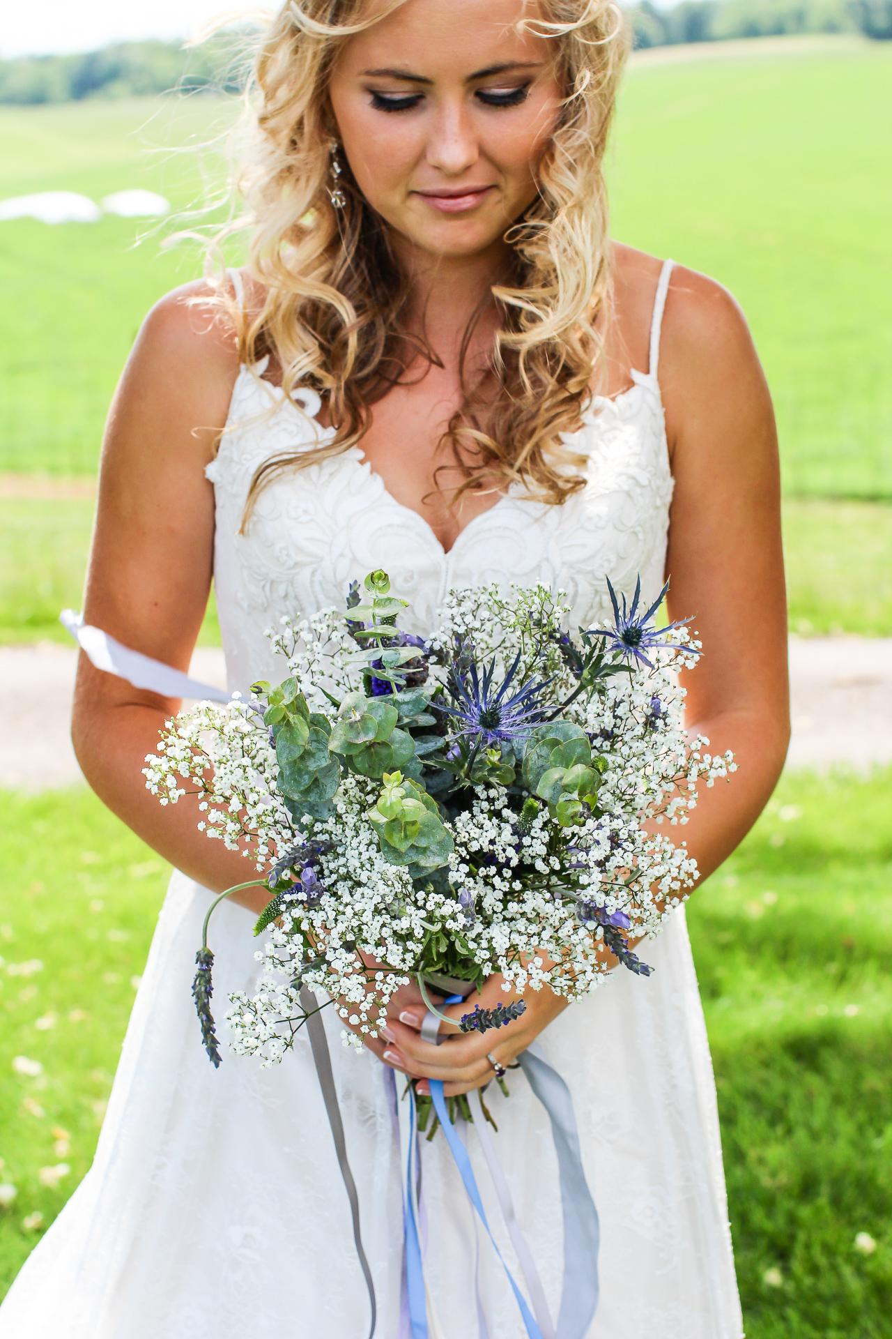 Jordan + Kevin Wedding On Sunny Slope Farm Wedding Venue by Linda Hexter Photography (11 of 30)