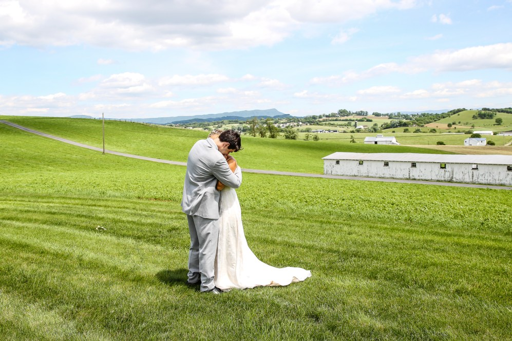 Jordan + Kevin Wedding On Sunny Slope Farm Wedding Venue by Linda Hexter Photography (13 of 30)