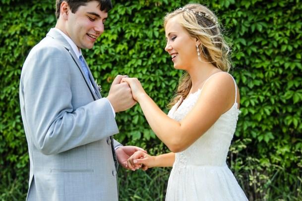 Jordan + Kevin Wedding On Sunny Slope Farm Wedding Venue by Linda Hexter Photography (16 of 30)