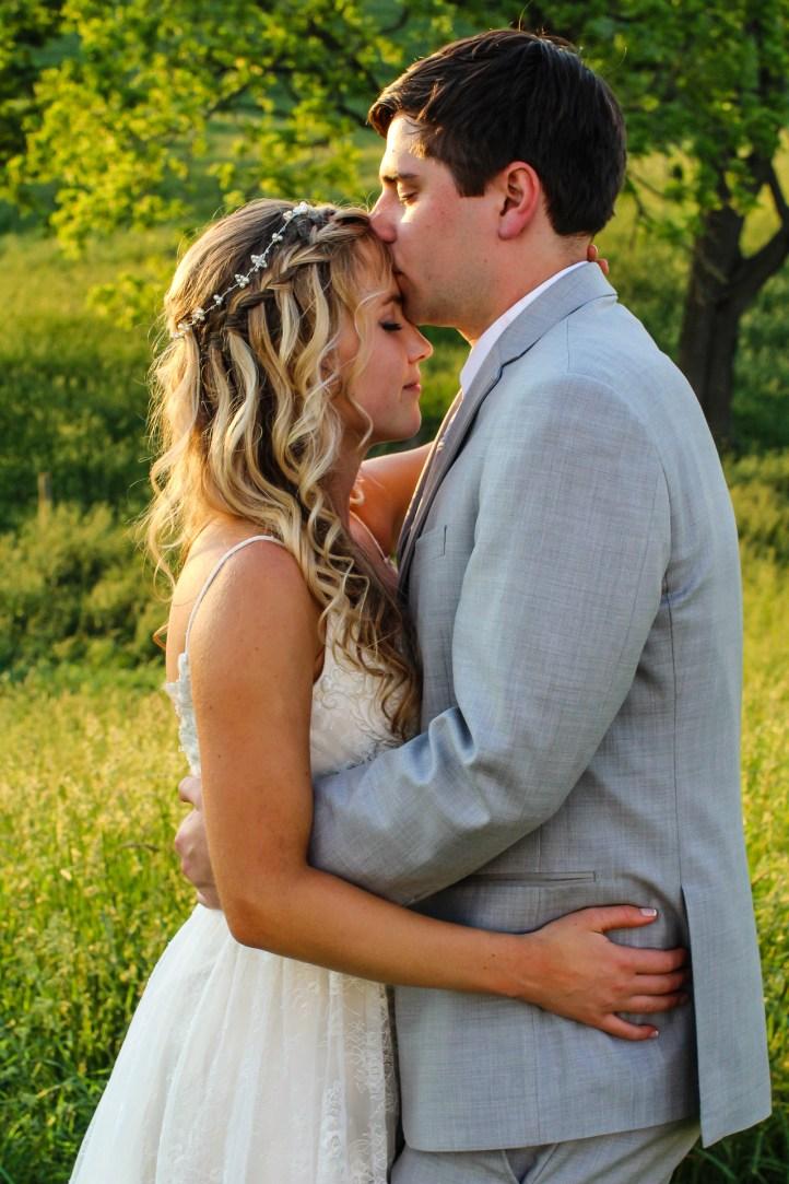 Jordan + Kevin Wedding On Sunny Slope Farm Wedding Venue by Linda Hexter Photography (25 of 30)