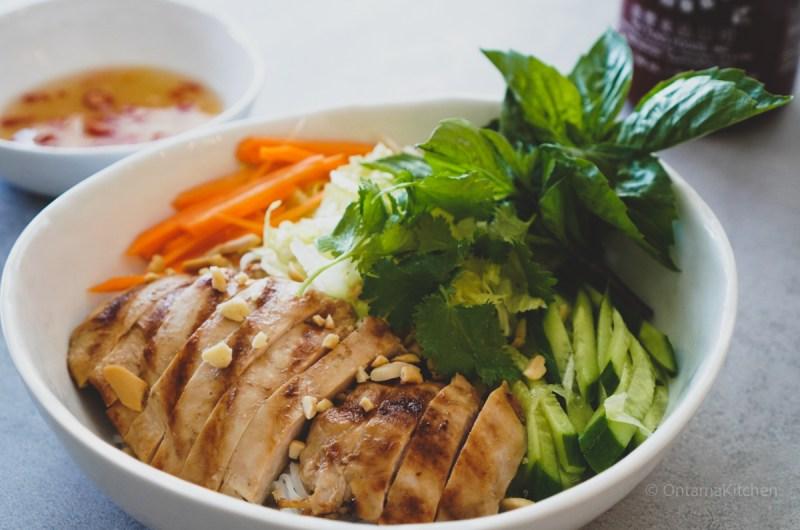 レモングラスチキン ( Vietnamese Lemongrass Chicken/Ga Nuong)