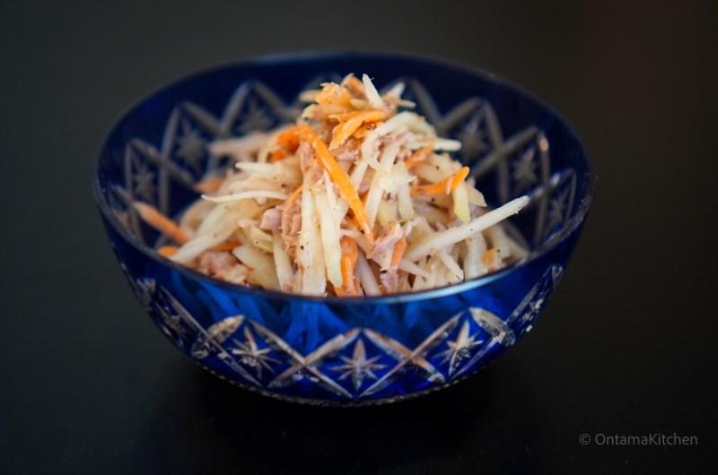 青パパイヤのツナサラダ (Green Papaya with Tuna Salad)