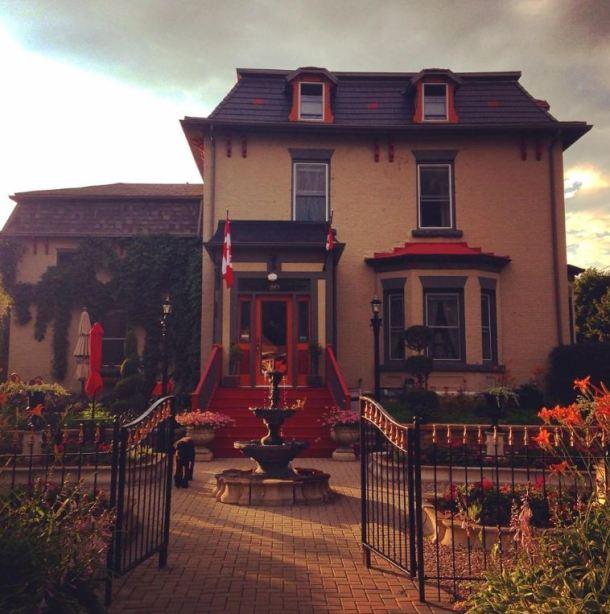 Russell Manor