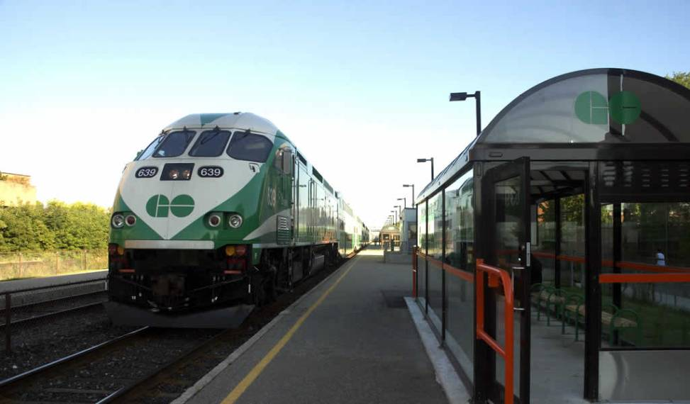 GO Train at Bloor station. Photo by Sally Hewson.