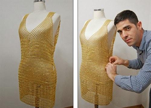 صور لفستان مصنوع من الذهب بتكلفة 130 الف دولار
