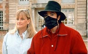 مايكل جاكسون مع زوجته ديبي