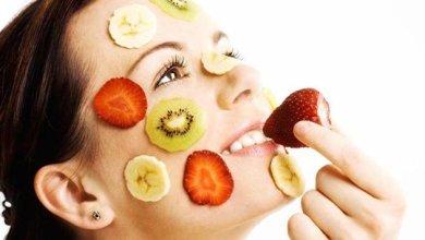 الطرق الطبيعية لتقليل العيوب و جعل بشرتك تبدو أكثر إشراقا