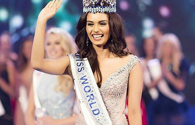 ملكة جمال العالم للعام 2017الشابّة الهنديّة Manushi Chillar في حفل أقيم في سانيا الصين