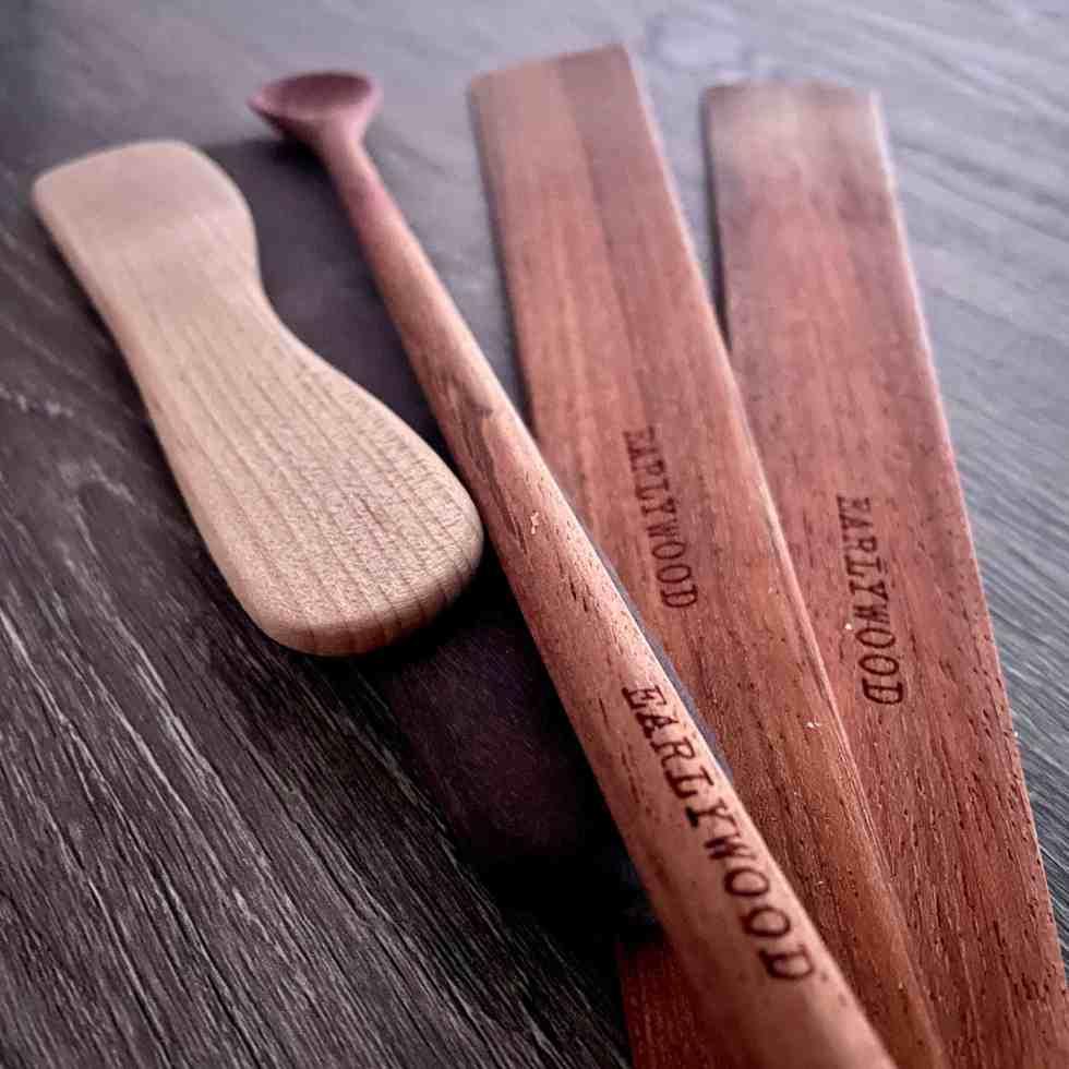 Earlywood spatulas