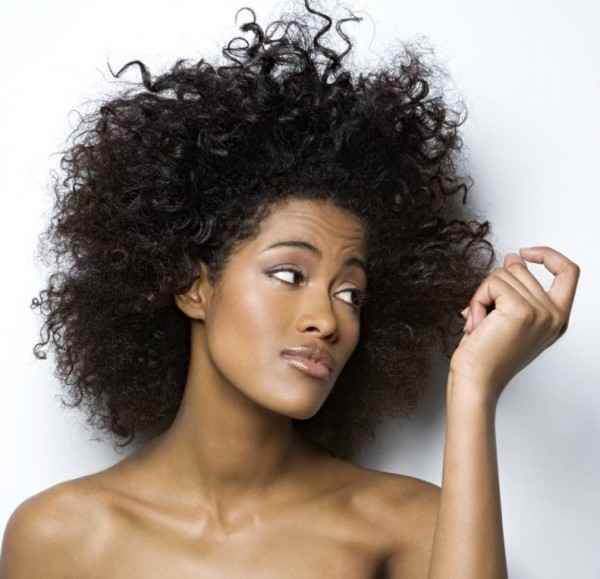 frizzy-hair-help-600x579