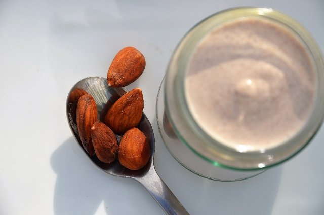 Almonds and Raw Almond Cream