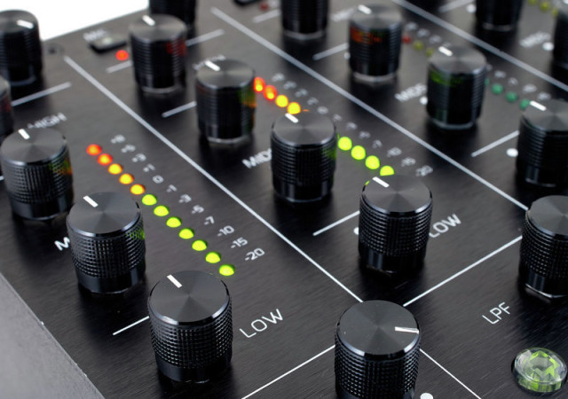 funktion one ff6 2 a high end analogue dj mixer on the rise dj academy. Black Bedroom Furniture Sets. Home Design Ideas