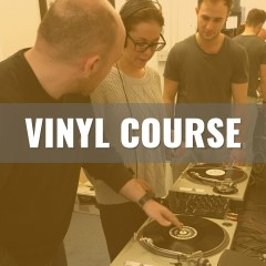 Learn to mix Vinyl at On The Rise DJ Academy