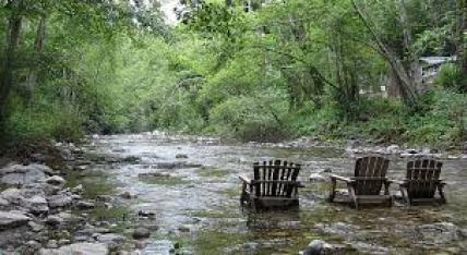 8-5 - River Inn river chairs