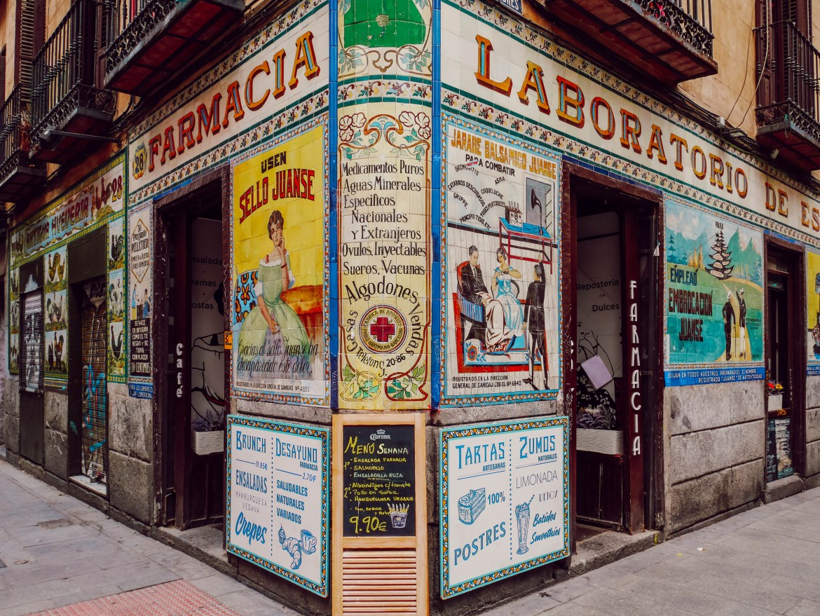 malasana-pharmacie-devanture-madrid