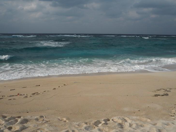品覇(しなは)海岸の隣にあるビーチ