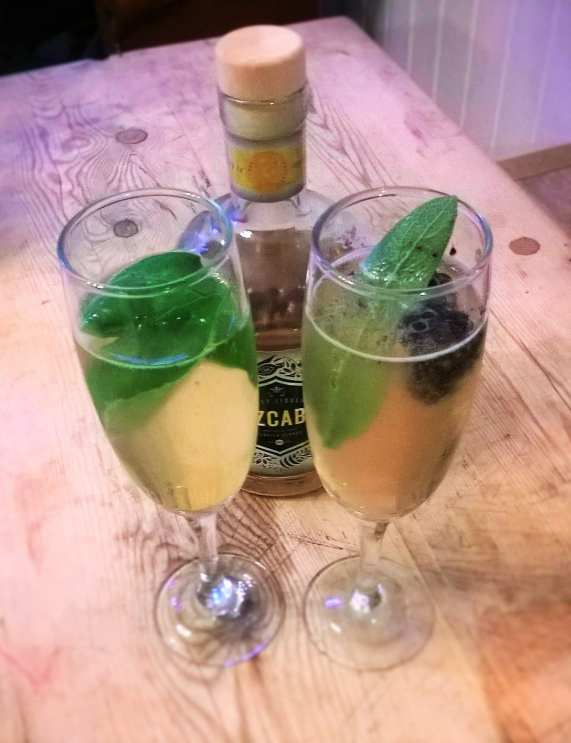 Honey Prosecco cocktail