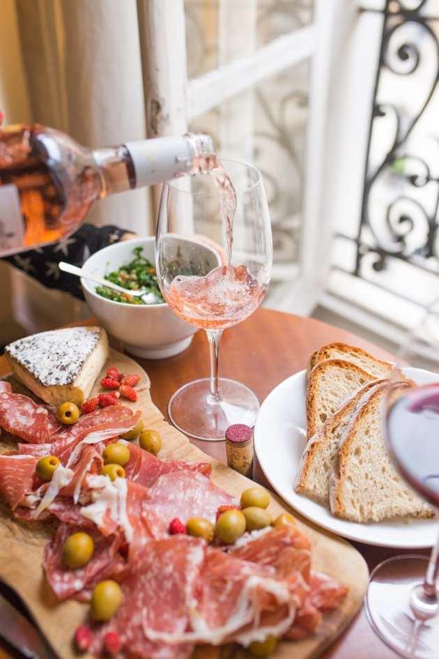 Serving rose wine at aperitivo