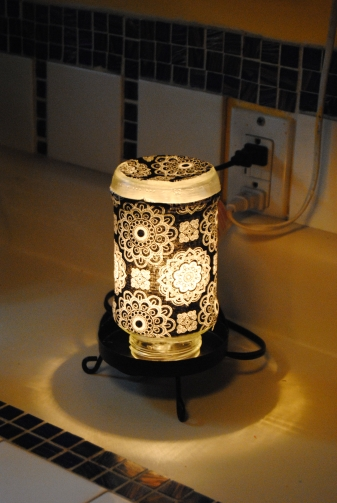 Upcycled Spaghetti Jar Decorative Lamp (3/3)