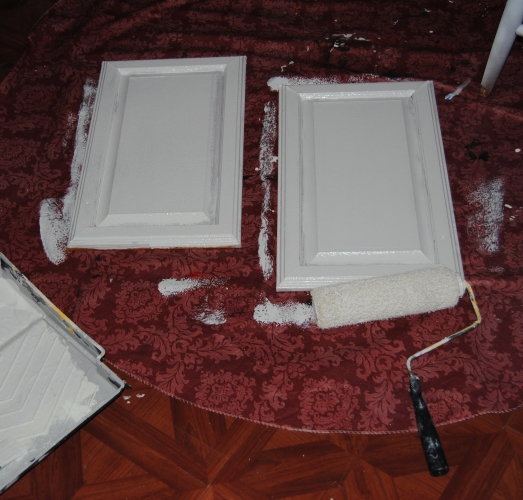 Design On A Nickel: Bathroom Cabinet Decoupage Restyle  (4/6)