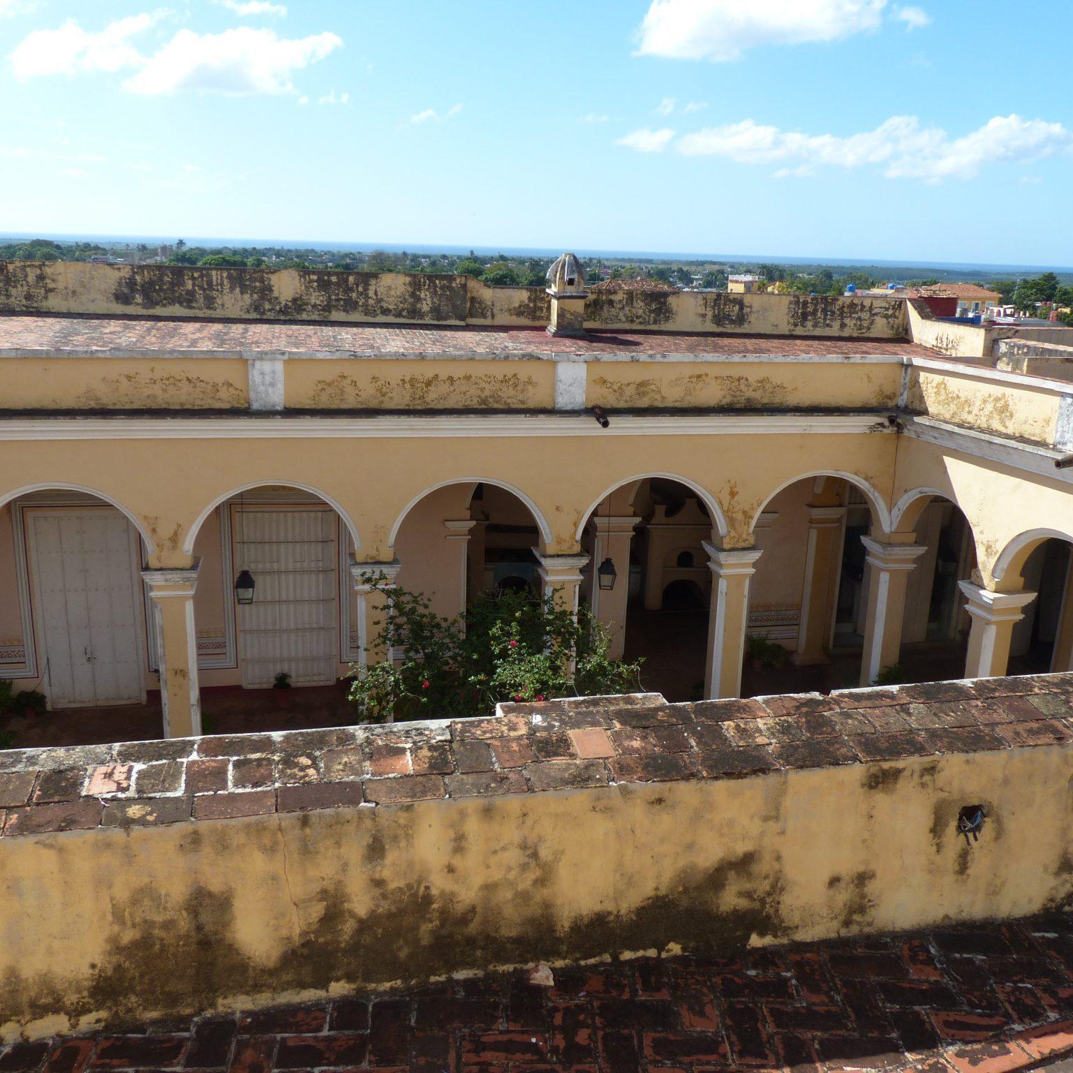 Trinidad über den Dächern am Tag