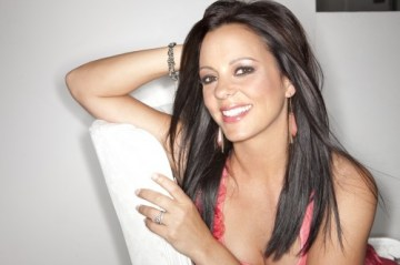 SaraEvans-Pink-2010-photo