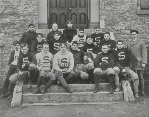 1900 Penn State football team coached by Pop Golden