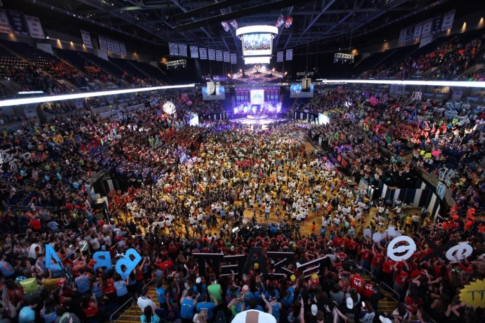 THON 2016 Dancers Standing