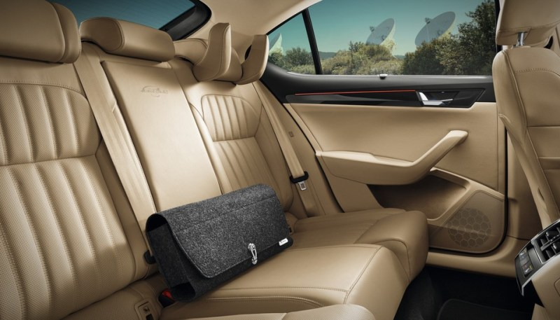 BS6-Skoda-Superb-Facelift-backseats