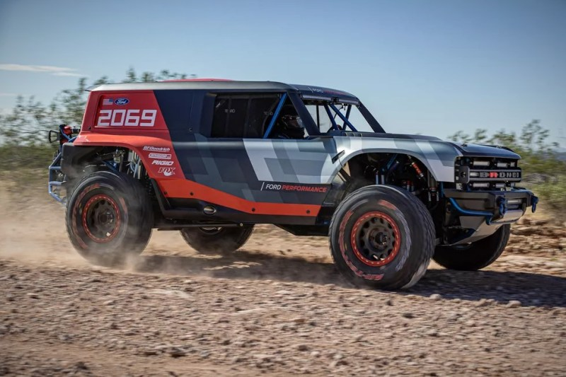 Legendary-Ford-bronco-in-baja-rally-onwaymechanic.in (1)