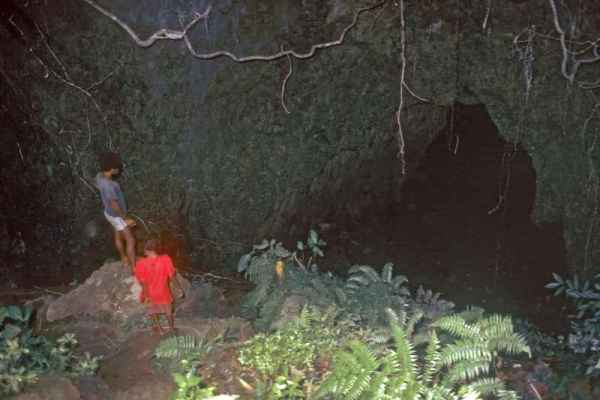 Japanese cave - ozoutback.com