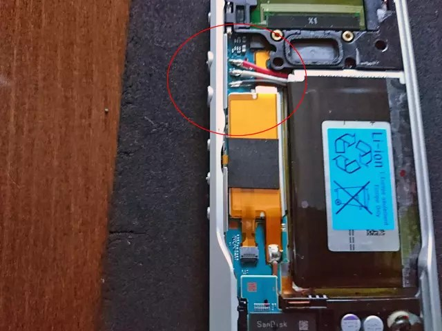 Walkman ZX1 repair 4