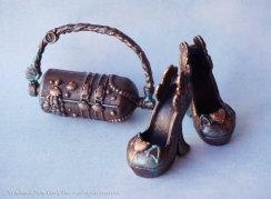 another Steampunk set - Dance Class lagoona purse & Draculaura's heels