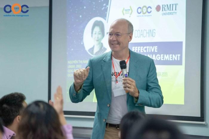 Ông Phillip Dowler, đại diện RMIT phát biểu mở màn trong hội thảo hệ thống quản trị