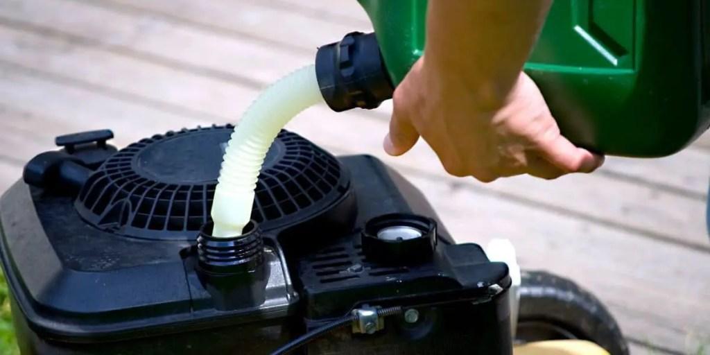 refuelling a generator