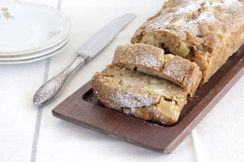 עוגת תפוחים, אגוזי מלך וקינמון