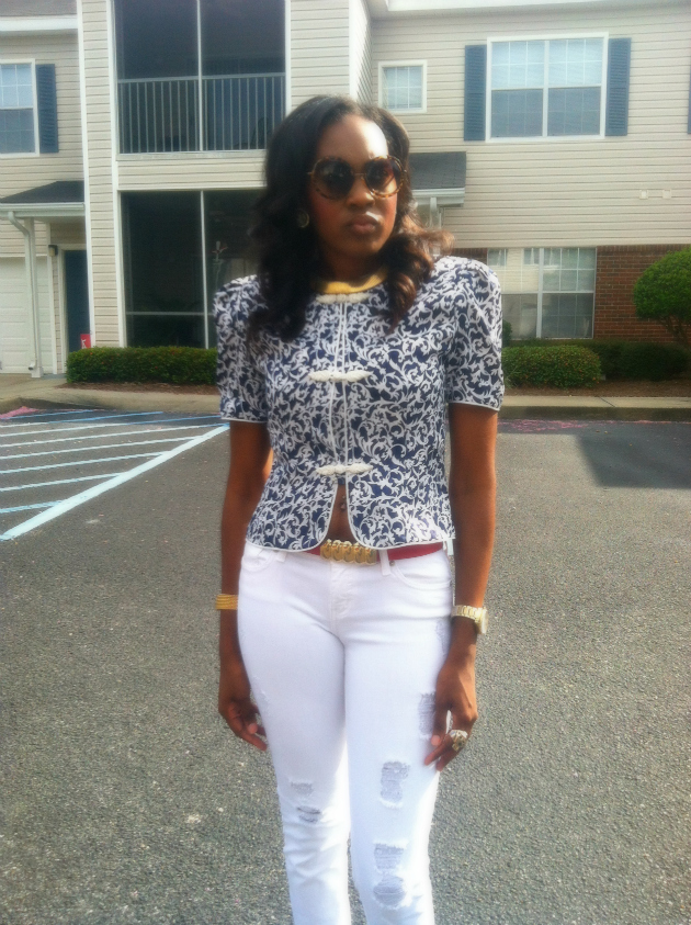 style-files-with-pretty-price-blue-white-printed-skirt-suit-vintage-thrifted-petite-sophisticate-8