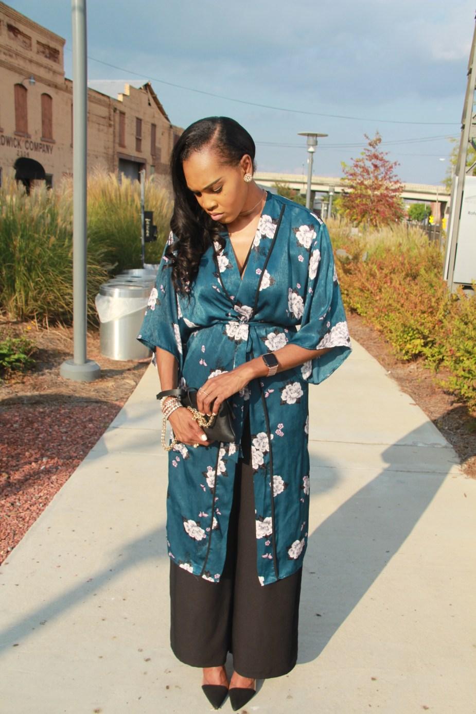 Style-files-Monteau-Green-floral-kimono-Boohoo-Wideleg-pants-zara-pvc-clear-black-pumps-forever21-lace-corset-bodysuit-ooohlalablog-15