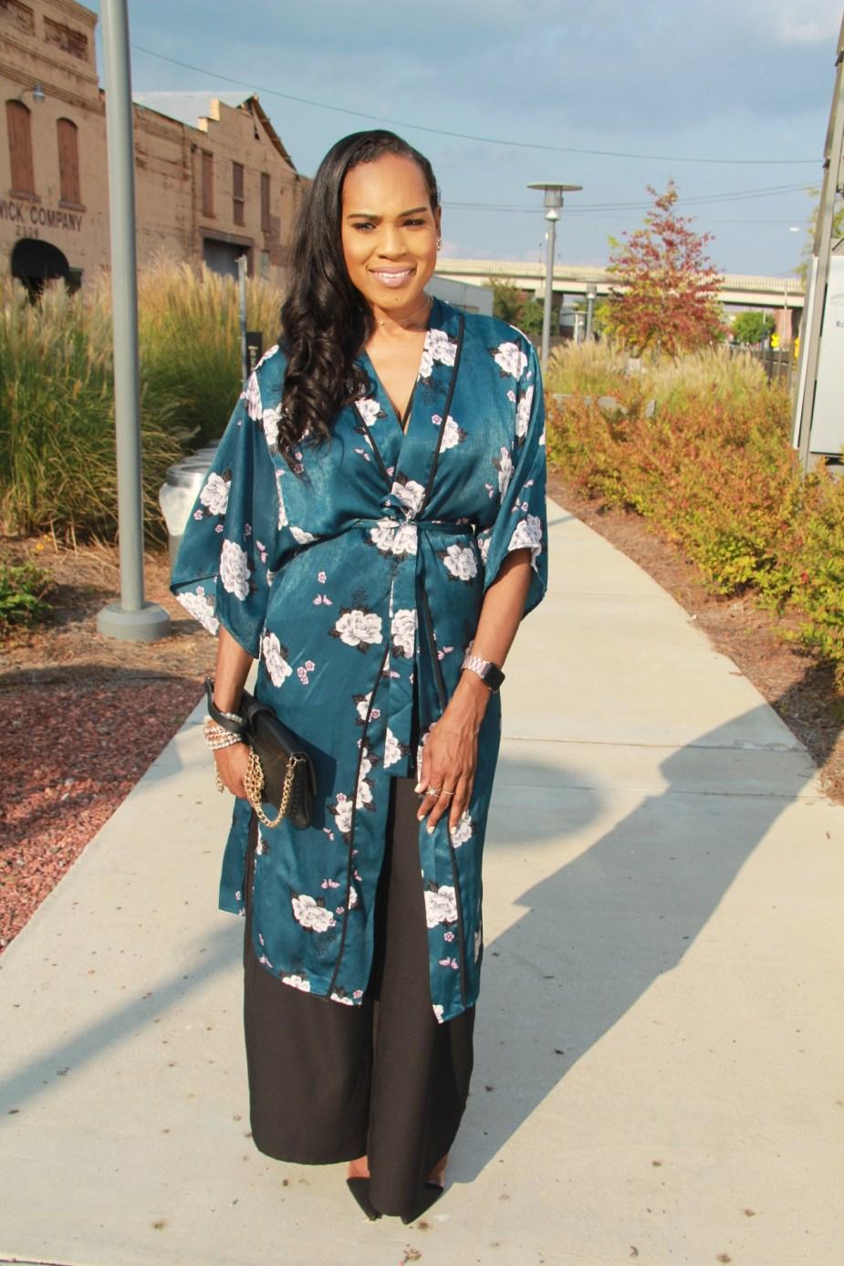 Style-files-Monteau-Green-floral-kimono-Boohoo-Wideleg-pants-zara-pvc-clear-black-pumps-forever21-lace-corset-bodysuit-ooohlalablog-16