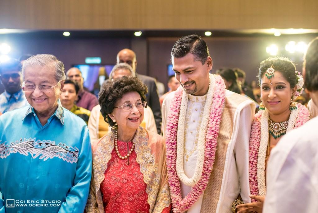 Satya-Priyya-Indian-Hindu-Wedding-Kuala-Lumpur-Malayisa-Singapore-Glasshouse-Sim-Darby-Convention-Center-St-Regis-Ceremony-ROM-Sangget-Nalangu-Ooi-Eric-Studio-Tun-Mahathir-50