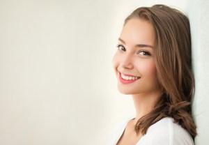 大人が出っ歯(上顎前突症)の矯正治療、始めるタイミング